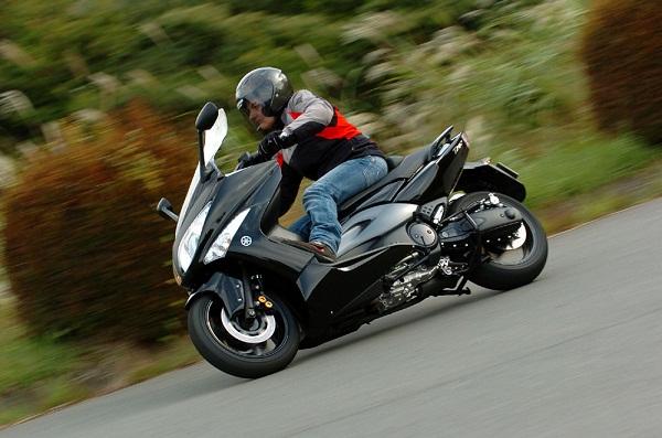 скутер ямаха т макс 500
