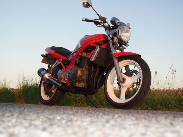 фото Suzuki-Bandit-400