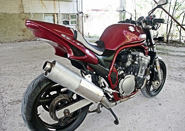 Suzuki-Bandit-400 фото