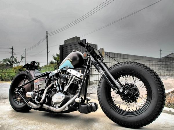 мотоцикл в стиле боббер