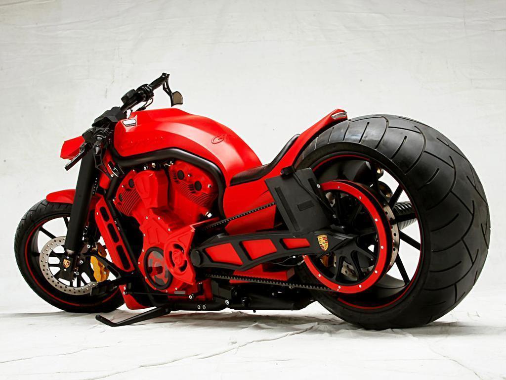 Кастом мотоцикл красный