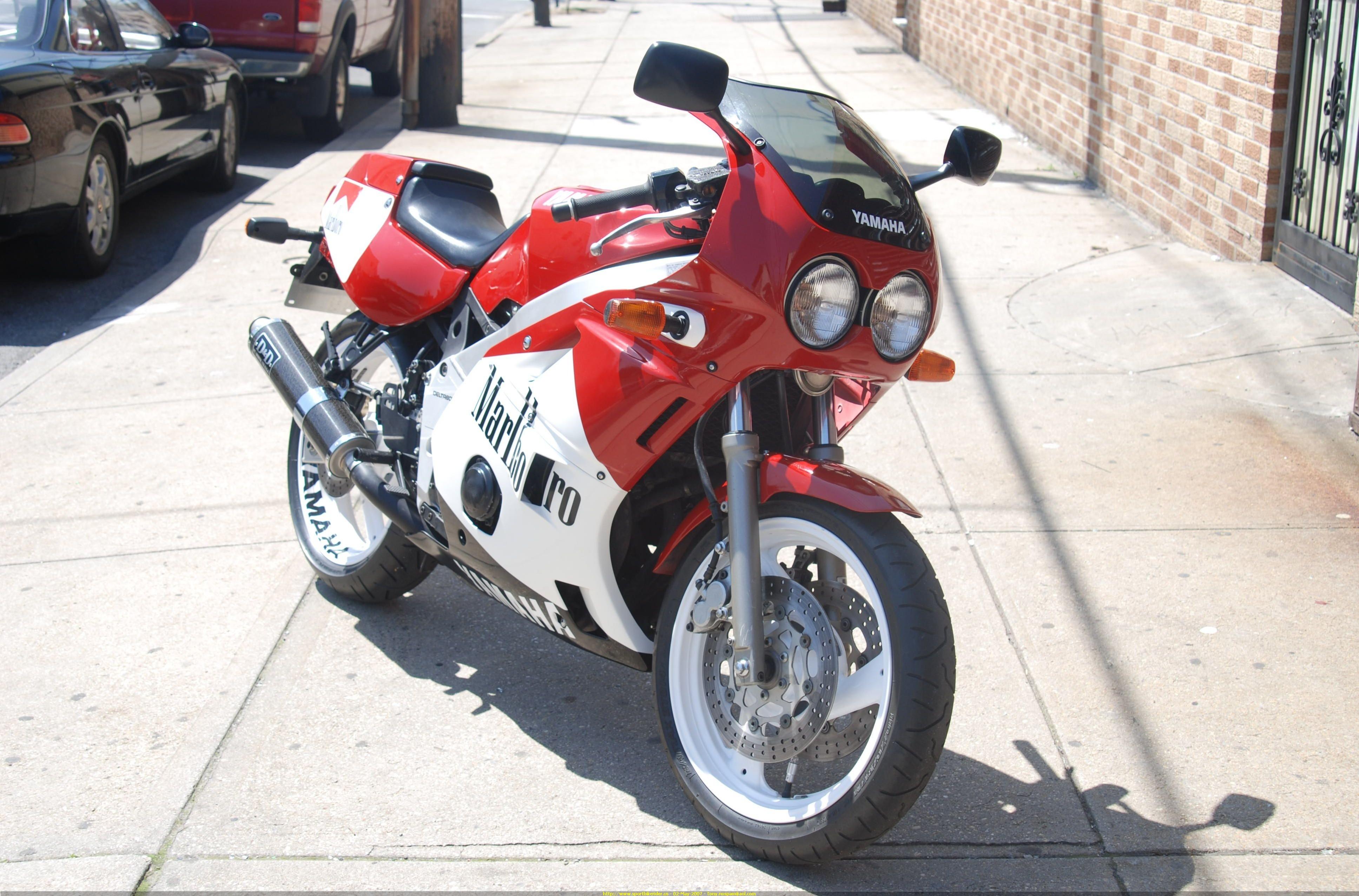 Yamaha R1 1988