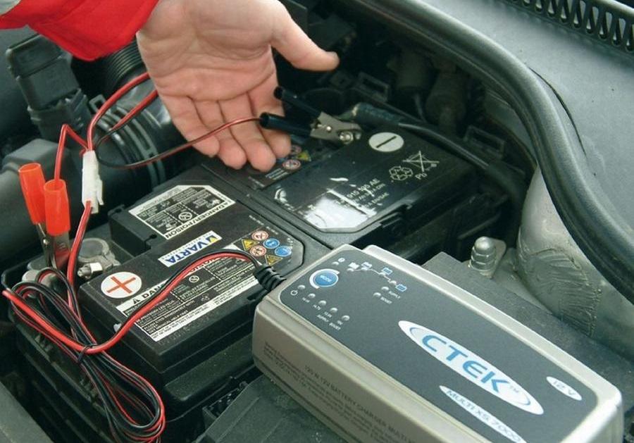 зарядка автомобильного аккумулятора как правильно
