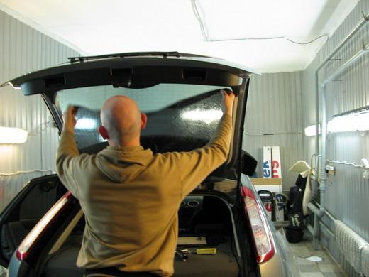 как затонировать машину самому заднее стекло