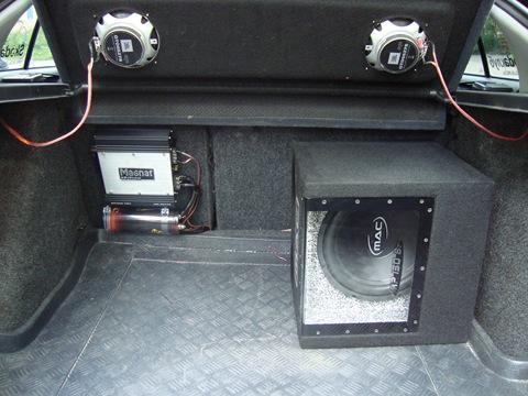 как подключить сабвуфер в машину в багажнике